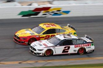 Brad Keselowski, Team Penske, Ford Mustang Discount Tire Joey Logano, Team Penske, Ford Mustang Shell Pennzoil