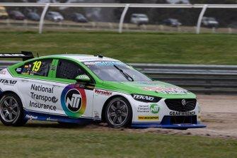 Jack Le Brocq, Jonathan Webb, Tekno Autosports Holden run wide