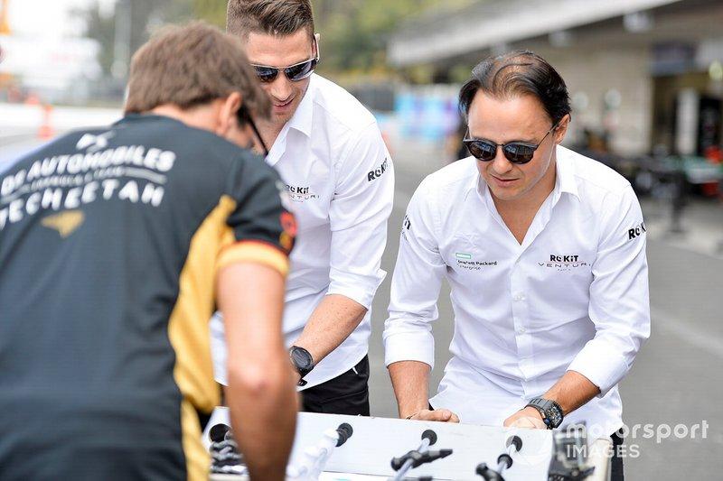 Felipe Massa, Venturi, Edoardo Mortara, Venturi giocano a calcio balilla contro i piloti del DS Techeetah