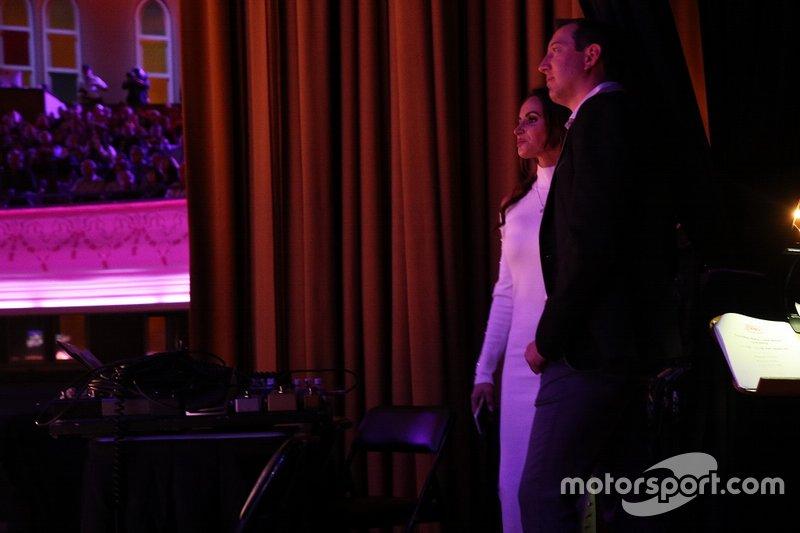 Monster Energy NASCAR Cup Series, Campeón Kyle Busch y su esposa Samantha