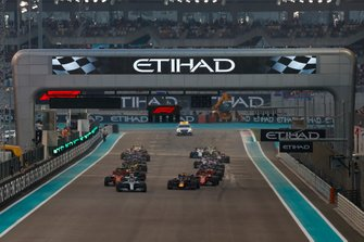 Lewis Hamilton, Mercedes AMG F1 W10, leads Max Verstappen, Red Bull Racing RB15, Sebastian Vettel, Ferrari SF90, Charles Leclerc, Ferrari SF90, Alexander Albon, Red Bull RB15, and the rest of the field at the start of the race
