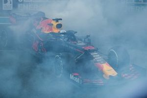 Max Verstappen, Red Bull Racing RB15, 2nd position, during celebratory donuts