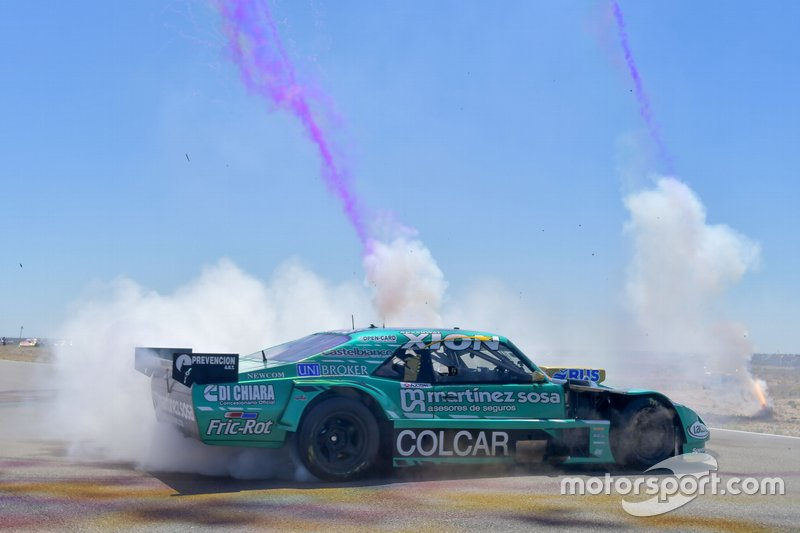 Campeón Agustín Canapino, Canapino Sports hace donuts