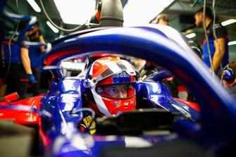 Daniil Kvyat, Toro Rosso, in cockpit