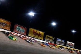 William Byron, Hendrick Motorsports, Chevrolet Camaro Hendrick Autoguard/City Chevrolet Throwback Brad Keselowski, Team Penske, Ford Mustang Miller Lite
