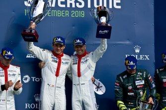 Гонщики Porsche GT Team Джанмария Бруни и Рихард Лиц