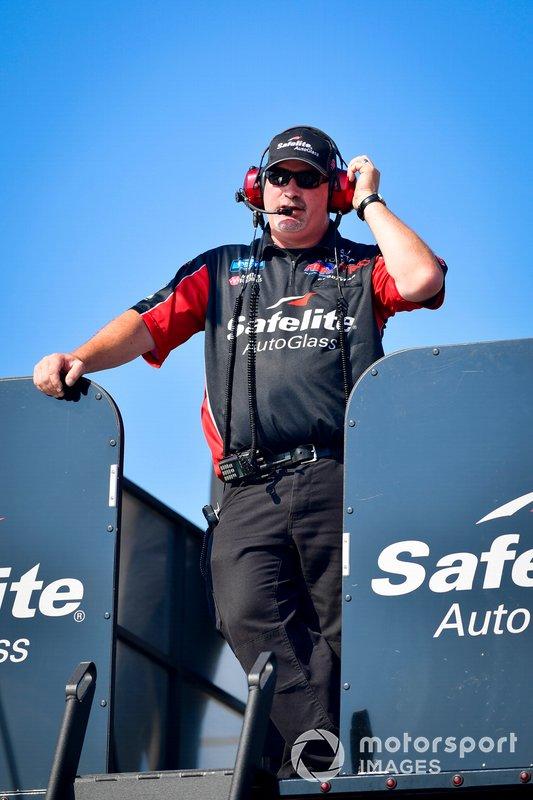 Mike Hillman Jr, Harrison Burton, Kyle Busch Motorsports, Toyota Tundra Safelite AutoGlass