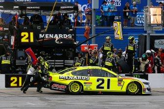 Paul Menard, Wood Brothers Racing, Ford Mustang Menards / FVP pit stop