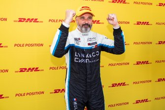 Pole sitter Yvan Muller, Cyan Racing Lynk & Co 03 TCR