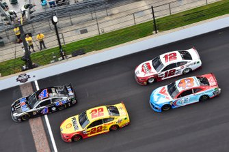 Kevin Harvick, Stewart-Haas Racing, Ford Mustang Mobil 1, Joey Logano, Team Penske, Ford Mustang Shell/Pennzoil