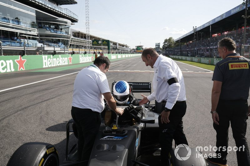 Jean Alesi tests the new Pirelli 18 inch tyres for next seasons F2 Car