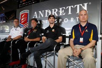 Il presidente HPD Ted Klaus, Michael Andretti, Alexander Rossi e Scott Wood, NAPA, annunciano che Rossi correrà per Andretti Autosport con motori Honda nel 2020