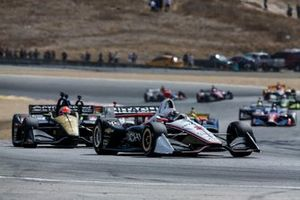 Josef Newgarden, Team Penske Chevrolet, James Hinchcliffe, Arrow Schmidt Peterson Motorsports Honda