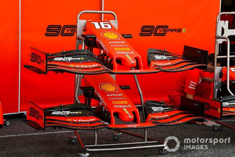 Ferrari SF90 ön kanatları