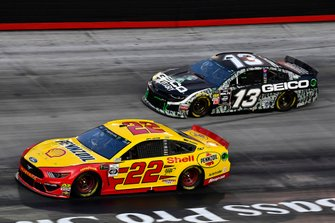 Joey Logano, Team Penske, Ford Mustang Shell Pennzoil and Ty Dillon, Germain Racing, Chevrolet Camaro GEICO Military