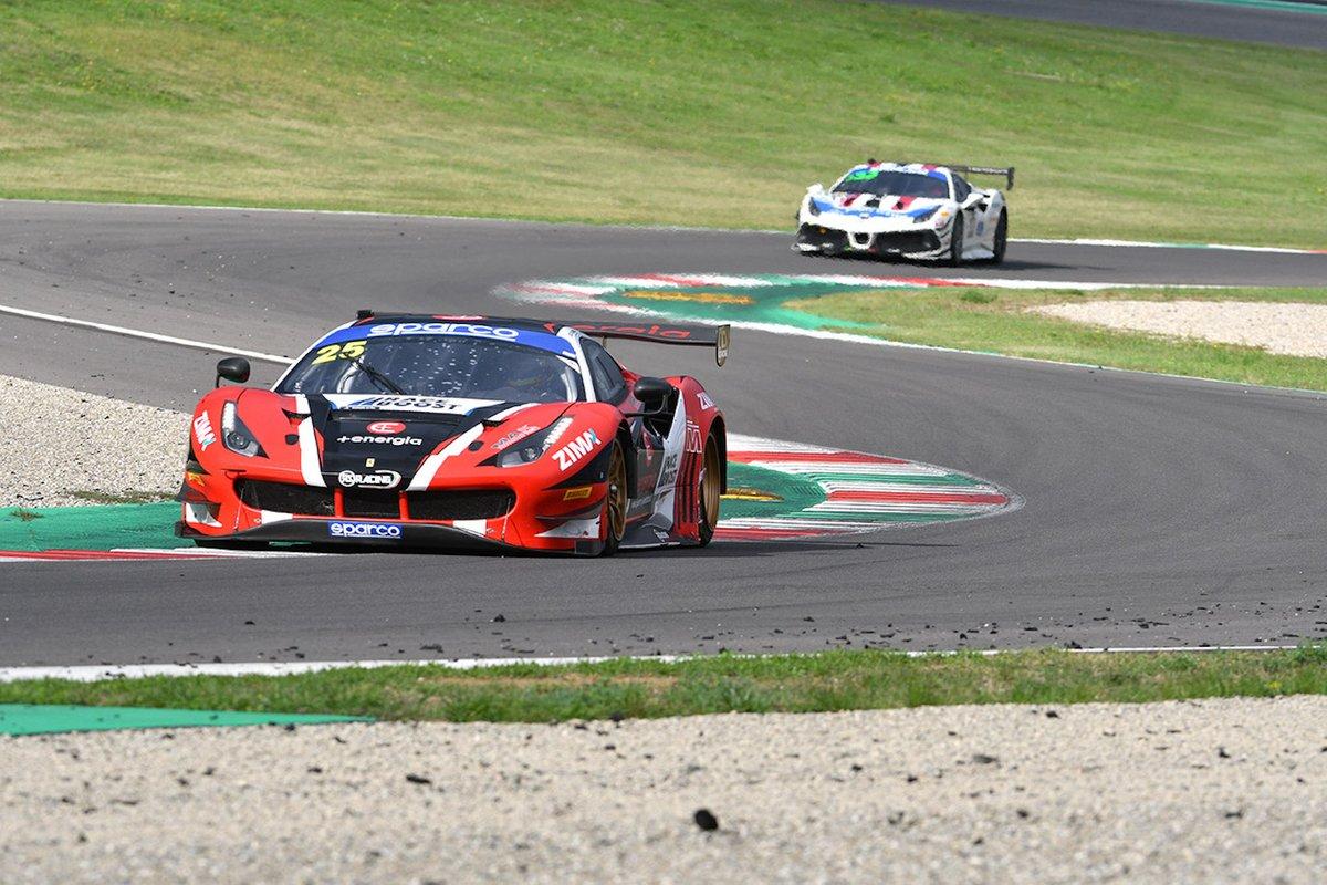 #25 RS Racing, Ferrari 488 GT3 Evo: Daniele Di Amato, Alexander Naussbaumer