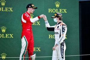 Olli Caldwell, Prema Racing e Lorenzo Colombo, Campos Racing festeggiano sul podio