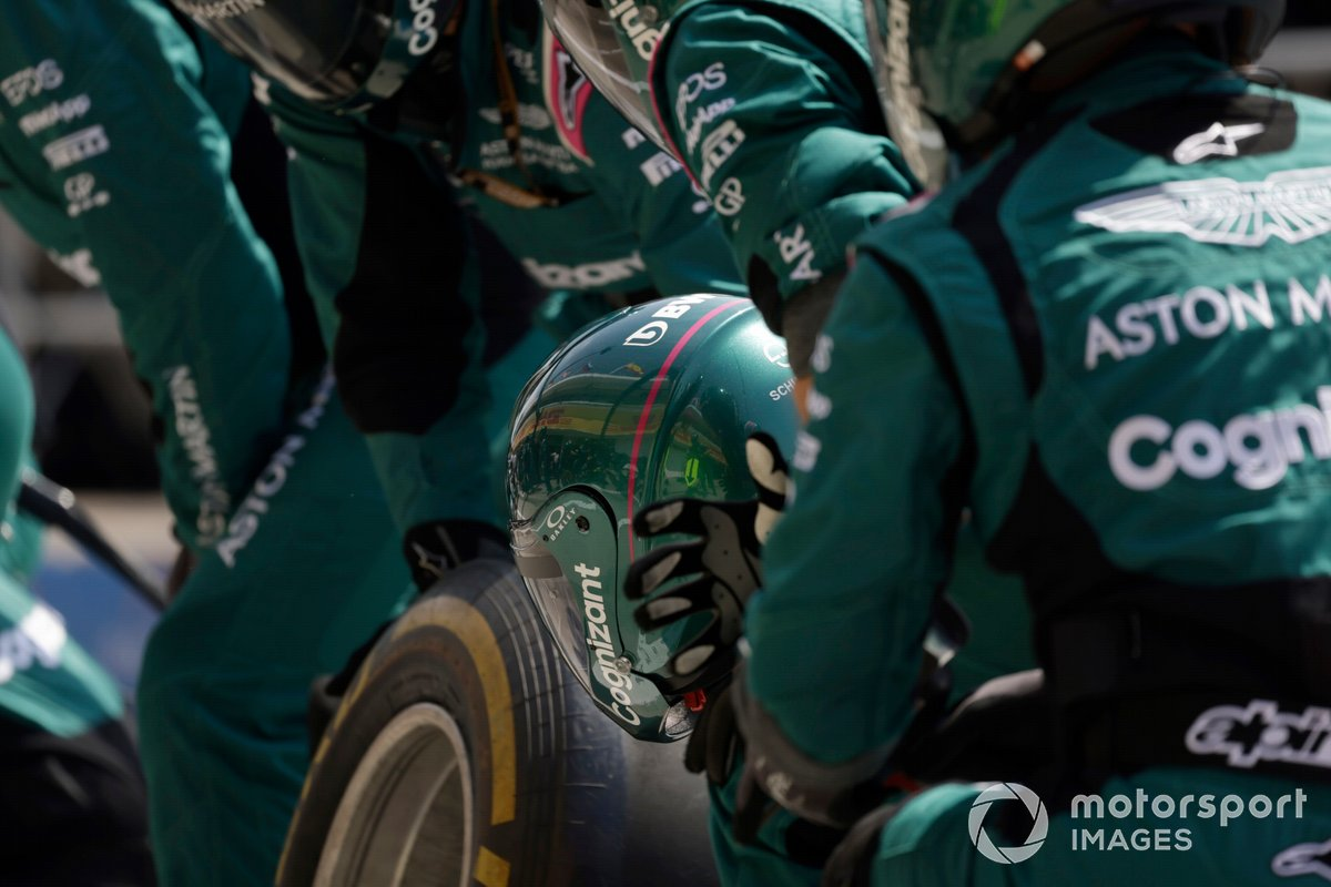 Aston Martin engineers in the garage at the pit stop