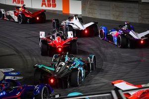 Pascal Wehrlein, Porsche, Porsche 99X Electric, Jake Dennis, BMW i Andretti Motorsport, BMW iFE.21, Tom Blomqvist, NIO 333, NIO 333 001