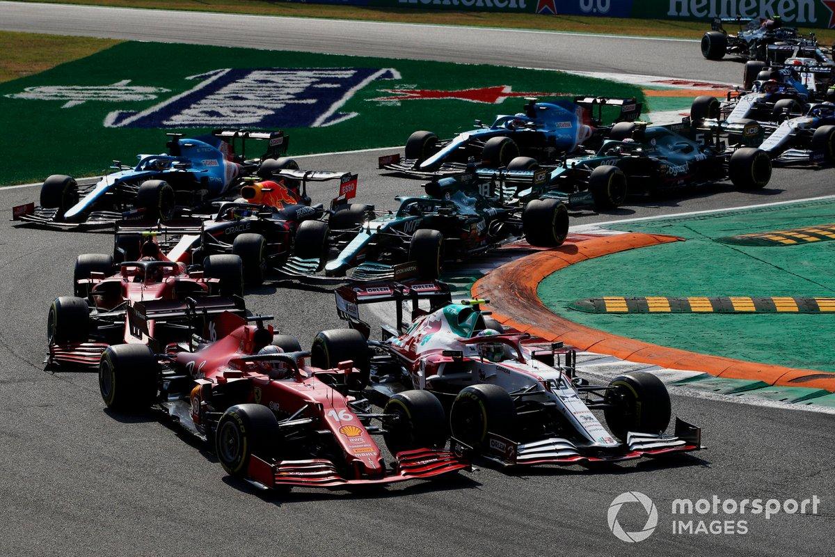Arrancada: Antonio Giovinazzi, Alfa Romeo Racing C41, Charles Leclerc, Ferrari SF21, Carlos Sainz Jr., Ferrari SF21, Lance Stroll, Aston Martin AMR21