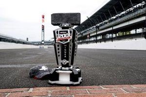 Winner A.J. Allmendinger, Kaulig Racing, Chevrolet Camaro Hyperice trophy