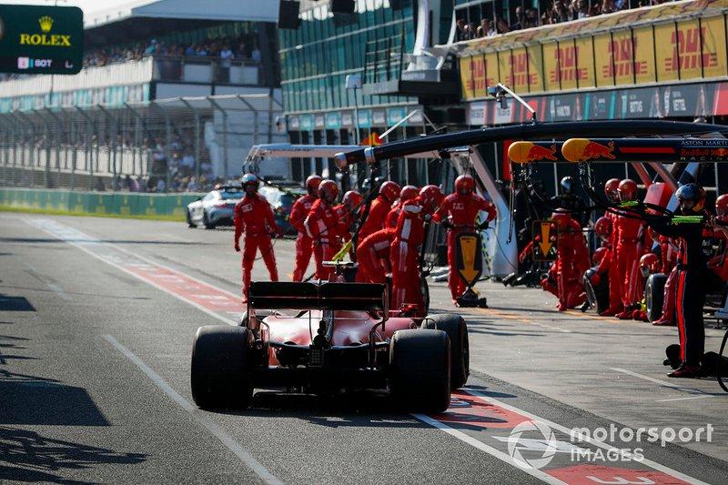 Charles Leclerc, Ferrari SF90, rientra per la sosta