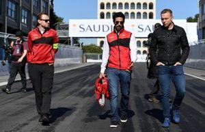 Lucas Di Grassi, Audi Sport ABT Schaeffler, with Olympic gold medalist Sir Chris Hoy on a track walk