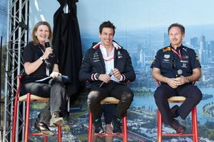 Toto Wolff, Executive Director (Business), Mercedes AMG, and Christian Horner, Team Principal, Red Bull Racing, on stage