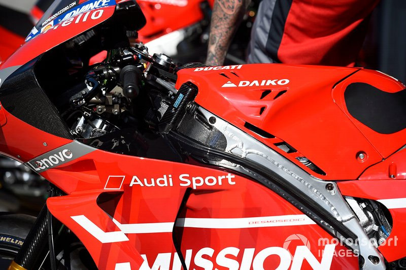 Ducati Desmosedici GP19: Tank