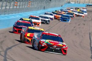Kyle Busch, Joe Gibbs Racing, Toyota Camry SKITTLES, Kyle Larson, Chip Ganassi Racing, Chevrolet Camaro McDonald's