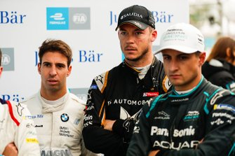 Antonio Felix da Costa, BMW I Andretti Motorsports, Andre Lotterer, DS TECHEETAH and Mitch Evans, Jaguar Racing watch the qualifying groups