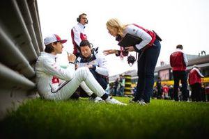 Антонио Джовинацци, Alfa Romeo Racing и Рут Баскомб, старший инженер-стратег Alfa Romeo Racing