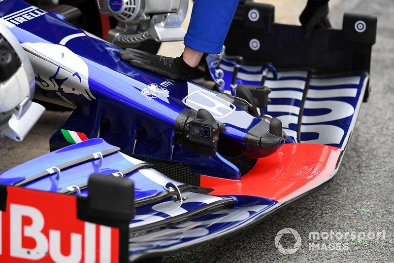 El morro del Scuderia Toro Rosso STR14 con sensores aerodinámicos