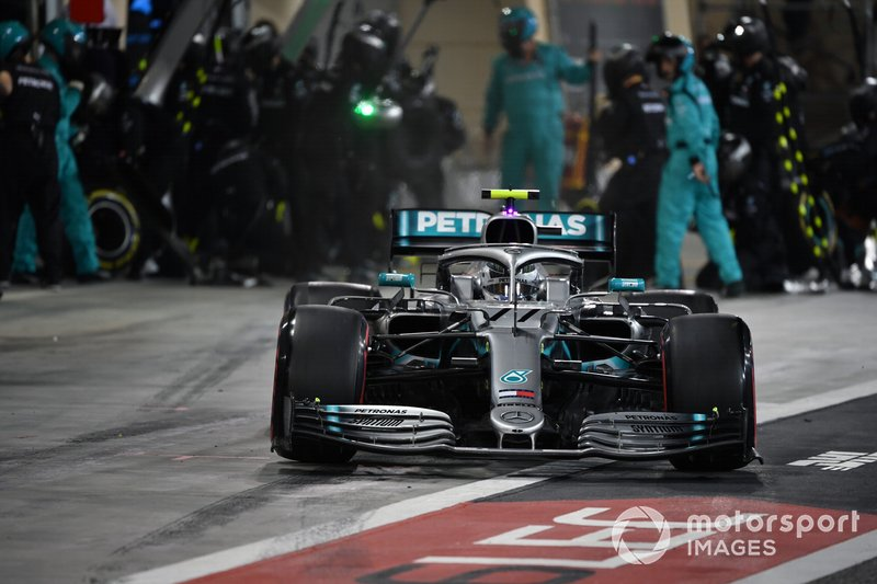 Valtteri Bottas, Mercedes AMG W10, sale de en pits