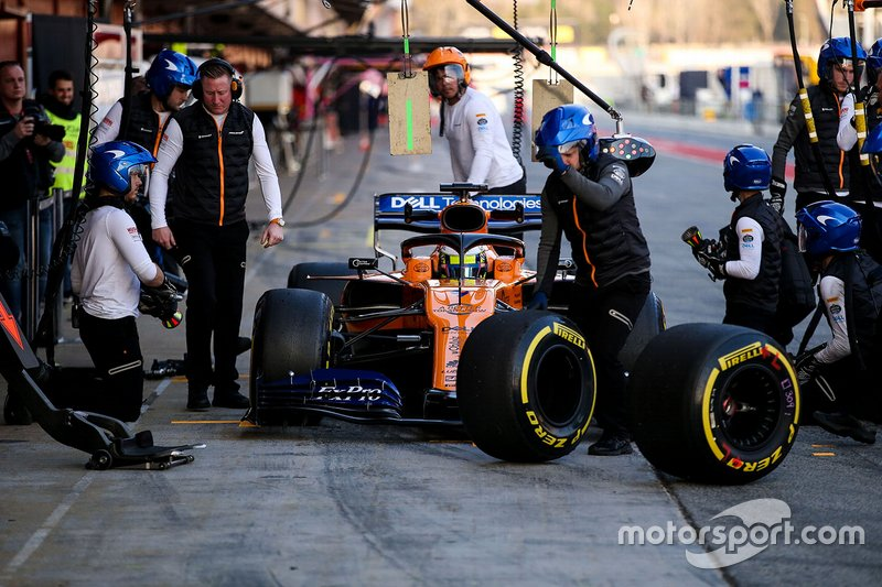 Lando Norris, McLaren MCL34 in the pitlane