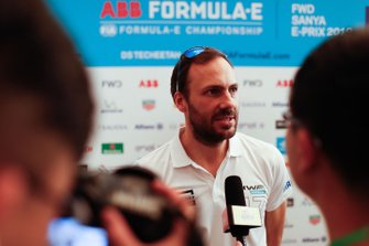 Gary Paffett, HWA Racelab talks to the press