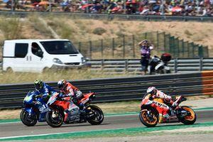 Марк Маркес, Repsol Honda Team, Андреа Янноне, Team Suzuki MotoGP, и Андреа Довициозо, Ducati Team