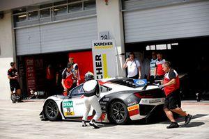 #10 HONDA Team Schubert Motorsport Honda NSX GT3: Philipp Frommenwiller, Esteban Gurrieri