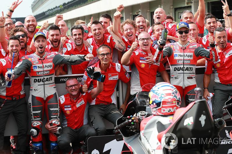 Ganador Andrea Dovizioso, Ducati Team, segundo Jorge Lorenzo, Ducati Team