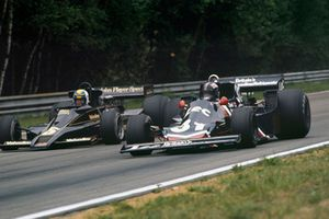 David Purley, Lec CRP1 Ford, leads Gunnar Nilsson Lotus 78 Ford