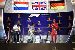 Podyum: 2. Max Verstappen, Red Bull Racing, Yarış galibi Lewis Hamilton, Mercedes AMG F1 ve 3. Sebastian Vettel, Ferrari