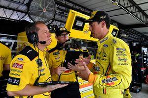Joey Logano, Team Penske, Ford Fusion Pennzoil and Todd Gordon