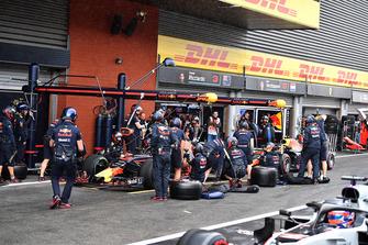 Daniel Ricciardo, Red Bull Racing RB14 and Max Verstappen, Red Bull Racing RB14