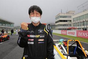 何と23年ぶりの四輪レースに参戦した山本勝巳
