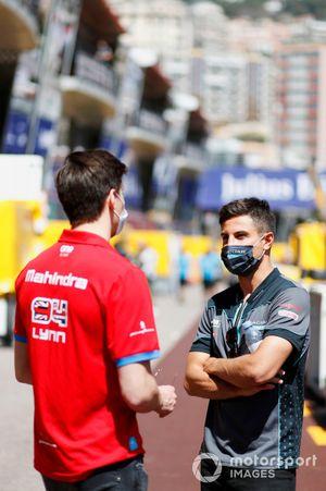 Mitch Evans, Jaguar Racing, parla con Alex Lynn, Mahindra Racing