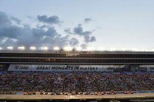 Kurt Busch, Chip Ganassi Racing, Chevrolet Camaro GEARWRENCH, Alex Bowman, Hendrick Motorsports, Chevrolet Camaro
