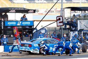 Brad Keselowski, Team Penske, Ford Mustang Keystone Light pit stop
