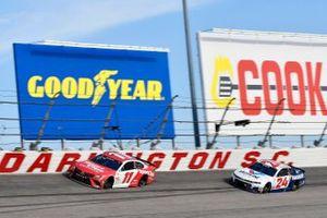 Denny Hamlin, Joe Gibbs Racing, Toyota Camry Sport Clips, William Byron, Hendrick Motorsports, Chevrolet Camaro Valvoline Throwback