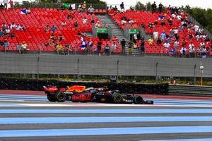 Valtteri Bottas, Mercedes W12 and Max Verstappen, Red Bull Racing RB16B battle