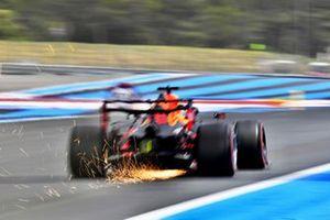 Макс Ферстаппен, Red Bull Racing RB16B, и искры